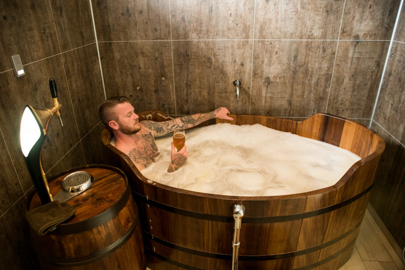 고래 관람 & 맥주 스파 | 아이슬란드 북부 투어